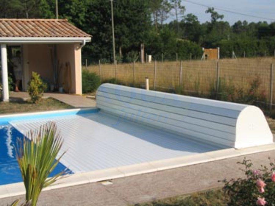 Volet roulant hors sol banc habillage prestige for Volet roulant piscine hors sol mobile