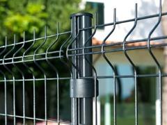 Poteau clôture rigide résidentielle